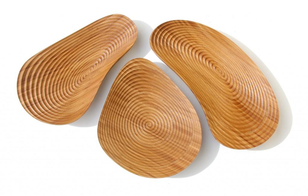 Pebble bowls in bamboo by David Trubridge