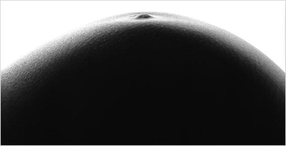 Nude photograph by Roberto Dutesco