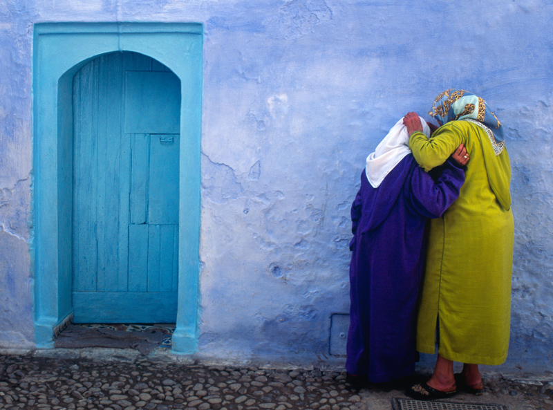 Women in Chefchaouen, Morocco - photograph by Jim Nilsen