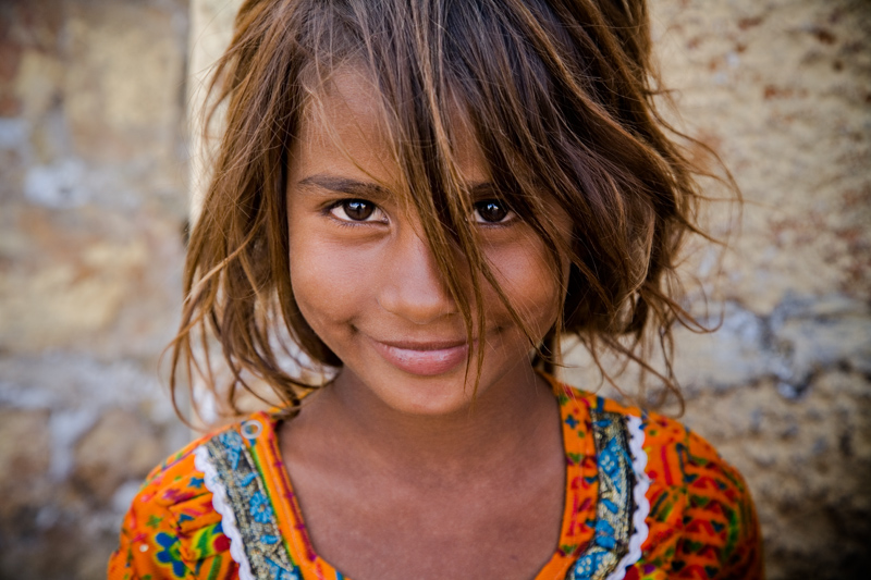 Girl in Jaisalmer, Rajasthan, India - photograph by Jim Nilsen